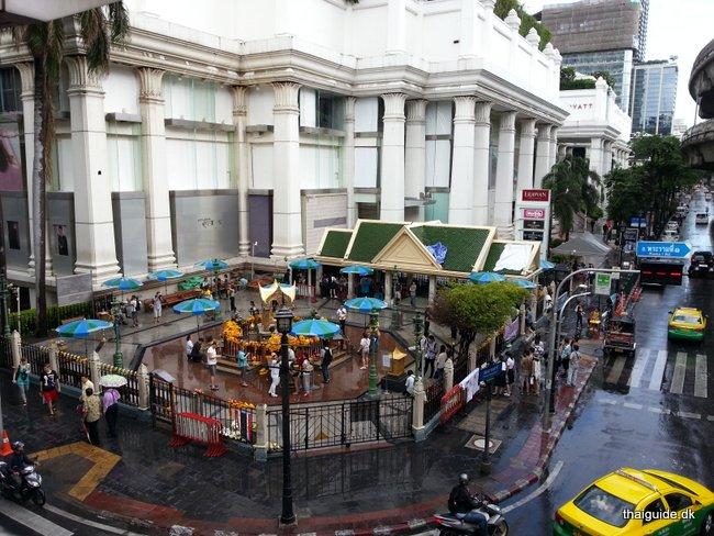 www.thaiguide.dk/images/erawan-shrine/erawan-shrine-1.jpg
