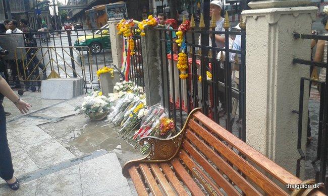 www.thaiguide.dk/images/erawan-shrine/erawan-shrine-6.jpg