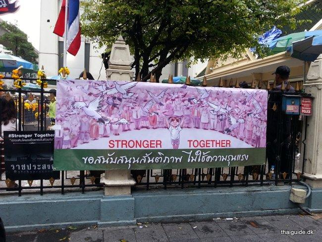 www.thaiguide.dk/images/erawan-shrine/erawan-shrine-8.jpg