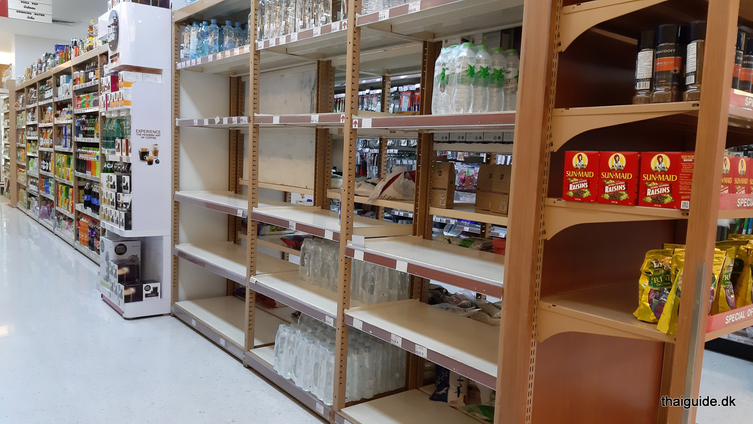www.thaiguide.dk/images/forum/covid19/foodland-16032020-4.jpg