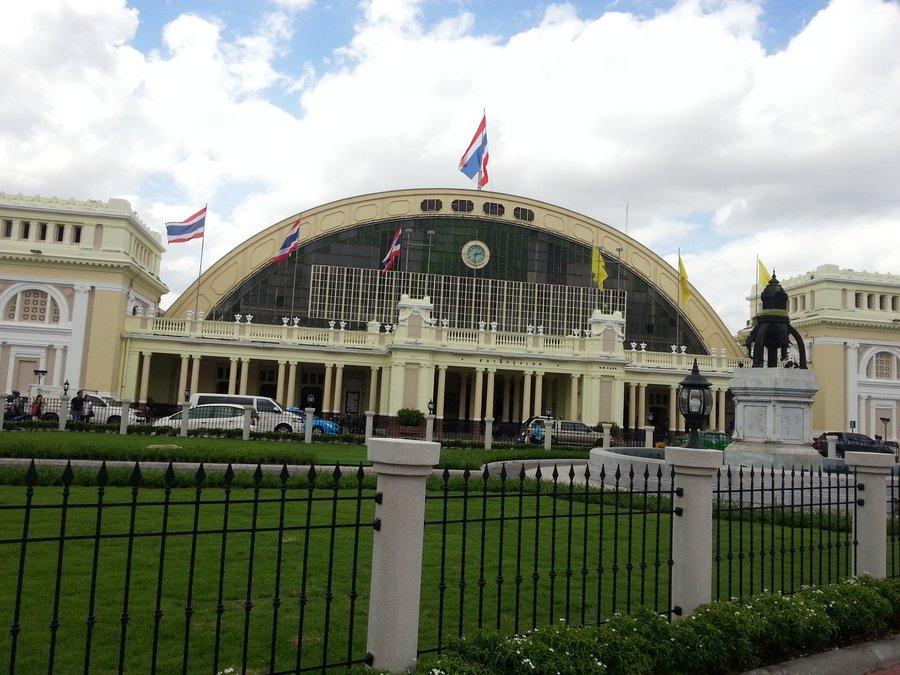 www.thaiguide.dk/images/forum/hua-lamphong/hua-lamphong-100-years-1.jpg
